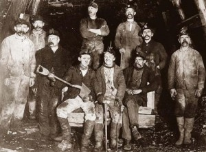 old-miners-doing air guitar
